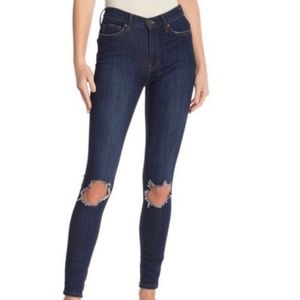 🎉NWT Free People Ripped Knee Skinny Jeans Sz 27
